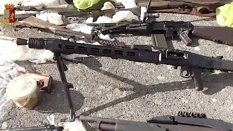 TROPPI MITRAGLIATORI E BOMBE IN UNA MASSERIA. Misteri sul Maxi-Sequestro di Armi in Puglia della Polizia di Bari