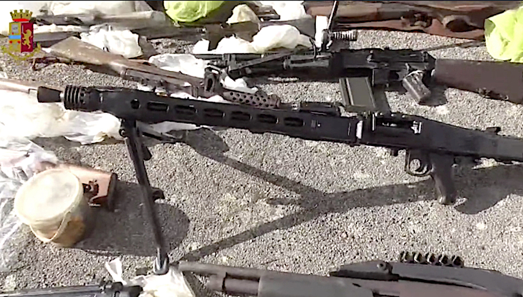 Too Many Machine-Guns and Bombs in Italian Farm! Police seized Suspect & Biggest War Arsenal