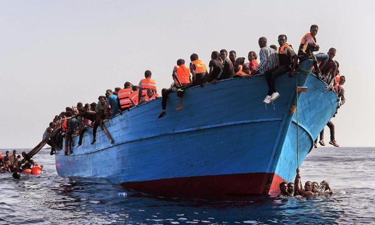 ALLARME ONU IN ITALIA: 680mila migranti usati come schiavi nei campi. Ecco la logica Pd!