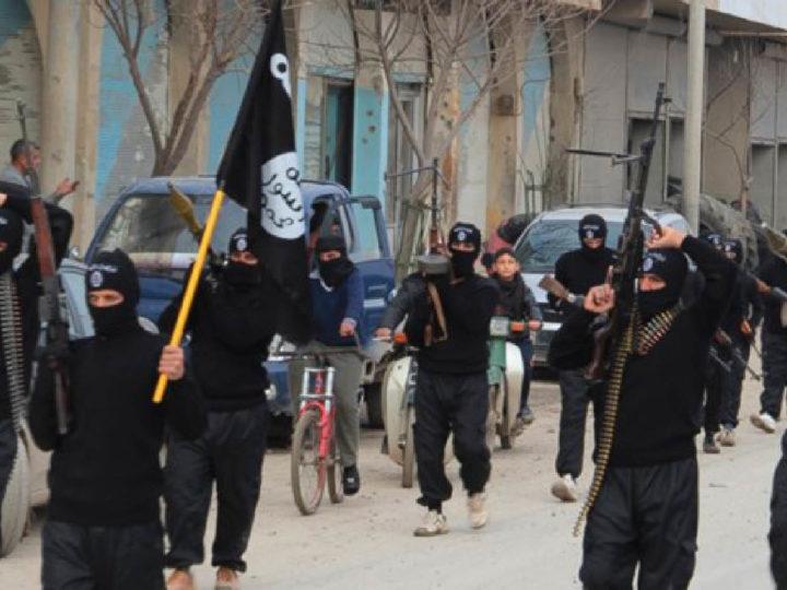 BOMBE TURCHE SUL CAMPO DI PRIGIONIA, 859 TERRORISTI ISIS IN FUGA: TRA I PROFUGHI
