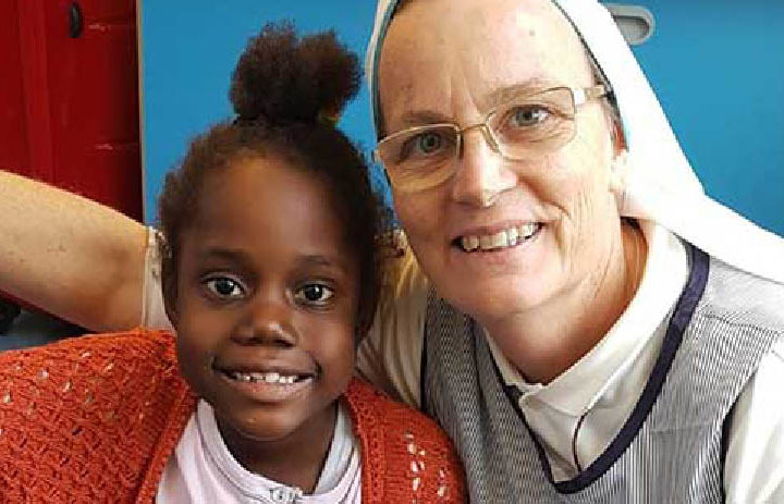 BUONA NOVELLA: Orfana liberiana operata in Italia grazie alle Missionarie. Ecco come si aiuta l'Africa!